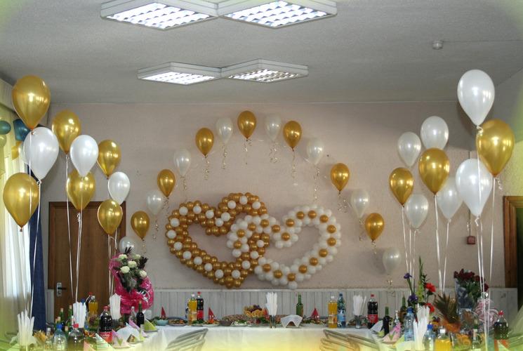 Как стильно украсить свадебный зал шарами: советы 97