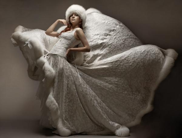 Зимний вариант свадебного платья 2011 фото