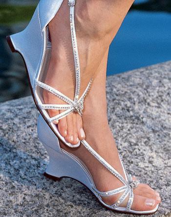 Какую обувь одеть на свадьбу зимой, а какую летом