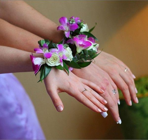Свадебный браслет из живых цветов – как сделать?