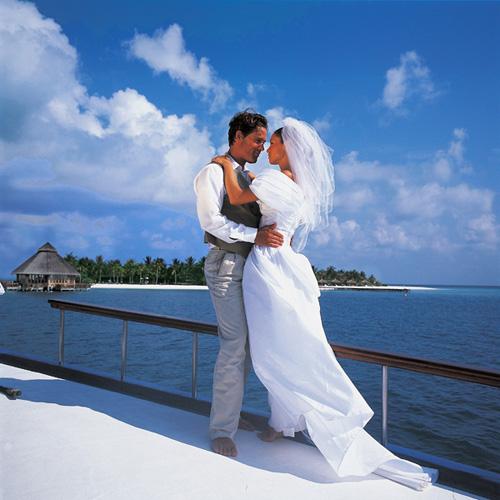 у чему снится свадьба знакомых людей