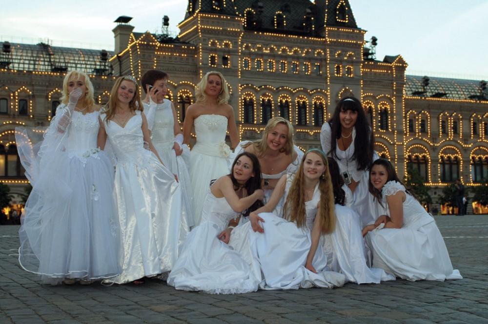Куда поехать на свадебную прогулку в Москве