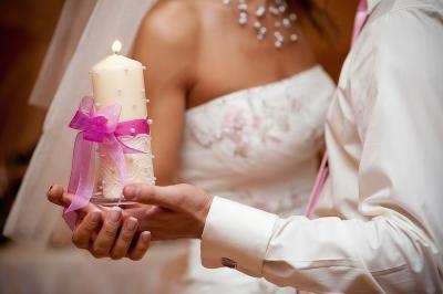 Как оформить (украсить) свадебные свечи своими руками