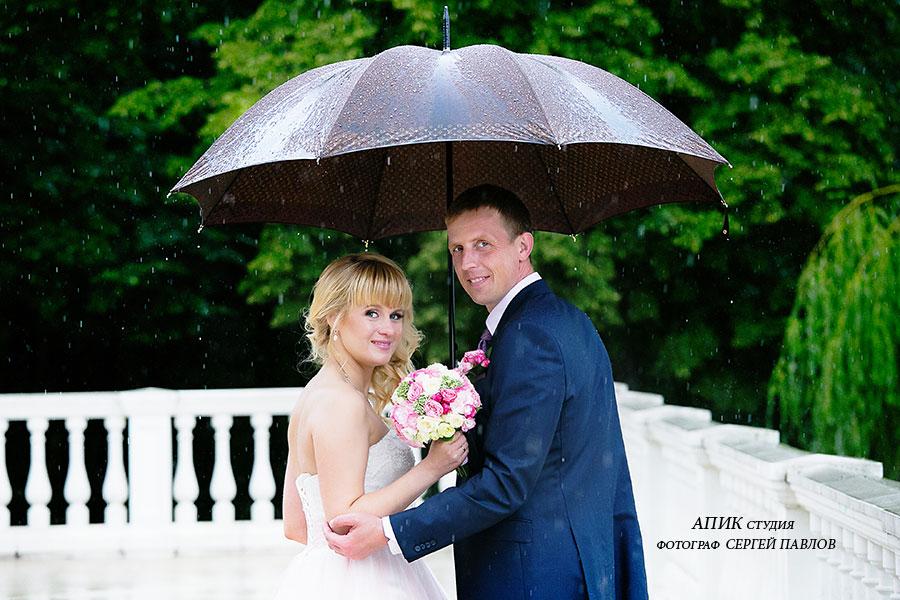 Как провести идеальную свадьбу под дождем?