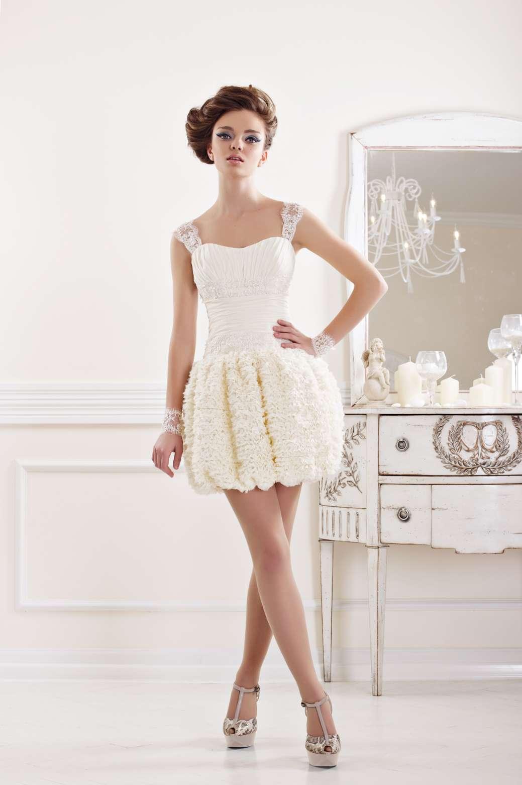 Короткие свадебные платья 2011