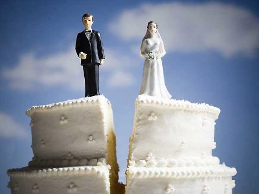 Браки и разводы в России 2010-2011 (статистика и динамика)